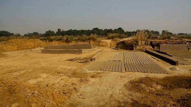 Western Allahabad rural farmland under 150 brick kilns in the 1960s. Photo Courtesy of INBAR