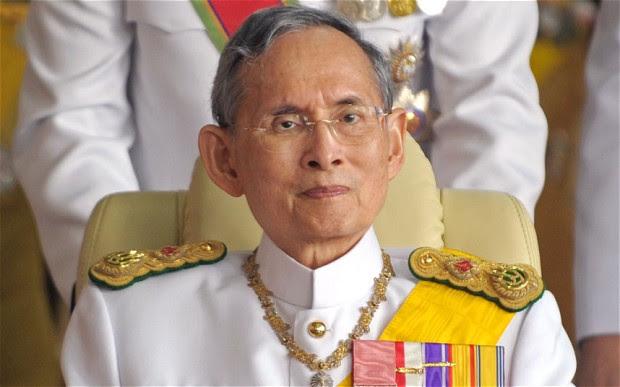 King-Bhumibol-Adul_2993201b