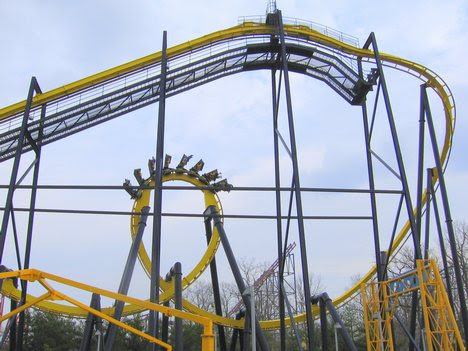 six flags over georgia goliath. Batman#39;s first drop and first loop (Six Flags Great Adventure).