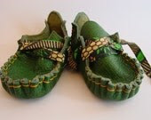 23 TRIBES - Custom made mini moccasins