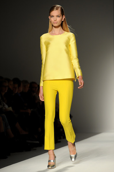 Max+Mara+Milan+Fashion+Week+Womenswear+2011+r-yi3fBNpTcl