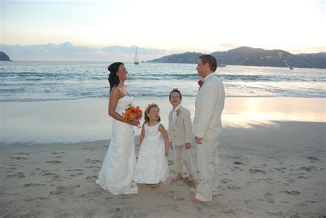 Choosing a Dress for Your Vow Renewal Ceremony   Beauty Zone