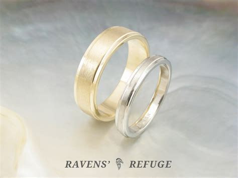 his and hers wedding rings ? simple wedding band set
