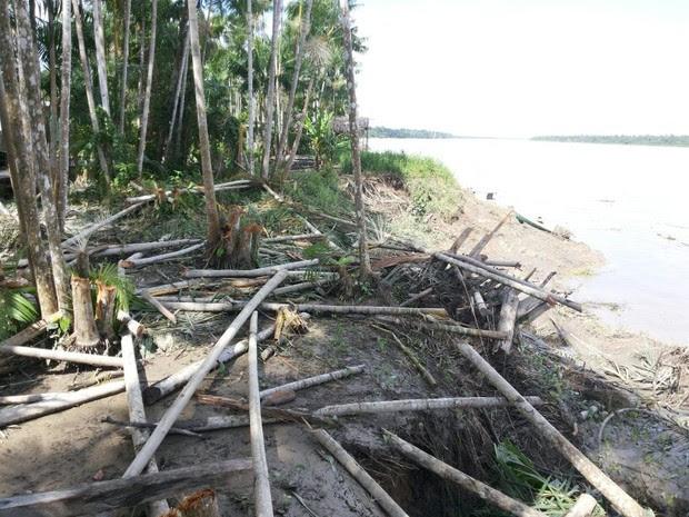 Força do rio Amazonas destruiu parte da orla de ilhas em arquipélago (Foto: Raimundo Ramos/Arquivo Pessoal)