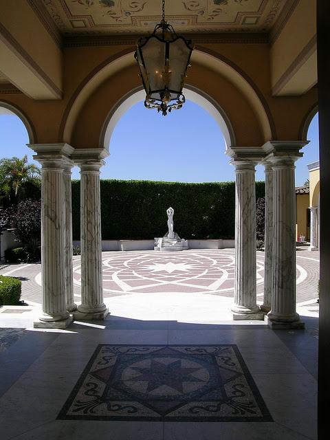 Italian Villa by CjK. Arch, via Flickr
