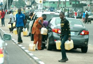 86 percent of Nigerians buy petrol at N199 per litre, survey shows