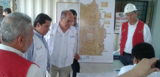 Alcalde y funcionarios nacionales verificaron avance de obras sociales