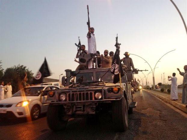 O ISIS ανέλαβε επίσημα την ευθύνη