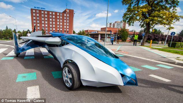 AeroMobil έχει αναπτύξει την έννοια της φέρουν το αυτοκίνητο από το 1990
