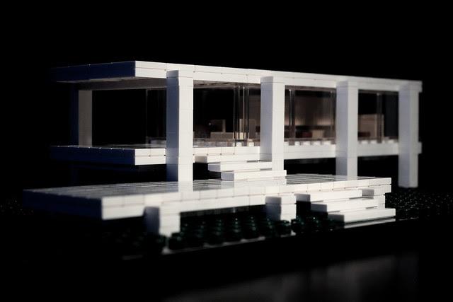 Farnsworth House Lego.