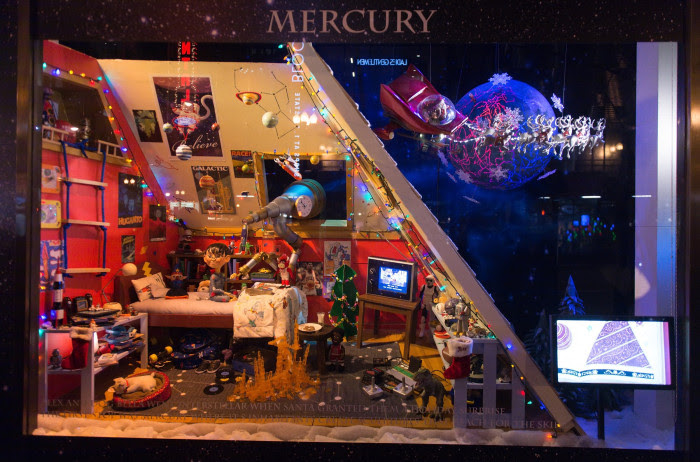 Image: 2015 Holiday Shopping Windows - Chicago, IL
