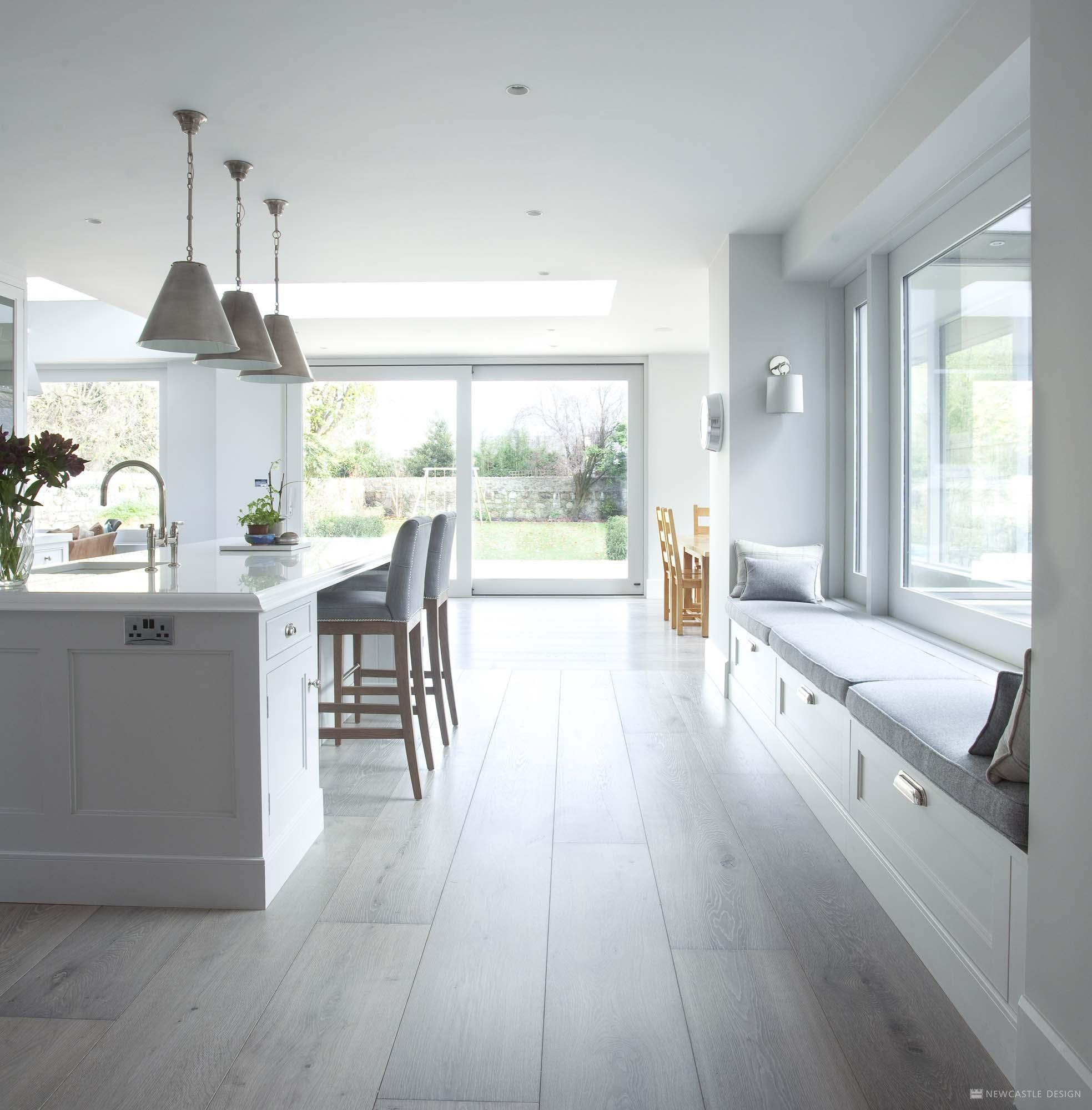 Classical Kitchen with a Contemporary Twist 3
