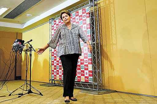 Dilma convive com uma base insatisfeita, que ameaça intensificar os problemas no parlamento em 2015 (Ricardo Moraes/Reuters - 23/10/14)