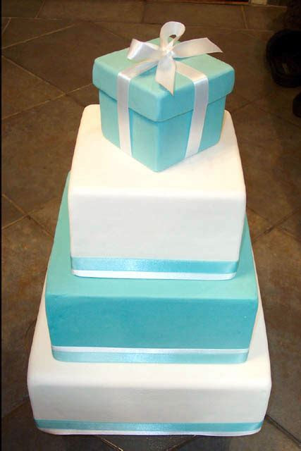 bride.ca   Wedding Cakes 101: Part VII   Pros and Cons of