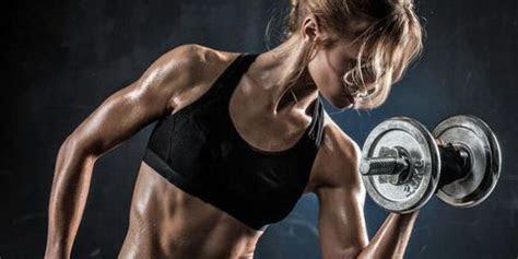 women  lift weights    true