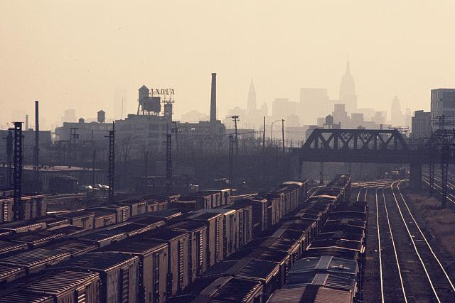 Bronx, New York, view south from Hunts Point, 1970. Photo by Camilo J. Vergara. //hdl.loc.gov/loc.pnp/vrg.0048
