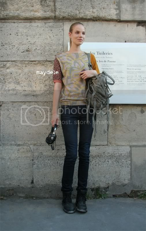 Suvi Koponen carrying Alexander Wang tote bag