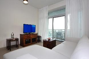 Downtown Fine One Bedroom in Burj Views B Dubai
