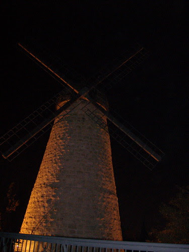 Soferet at Montfiore's windmill, Yemim Moshe