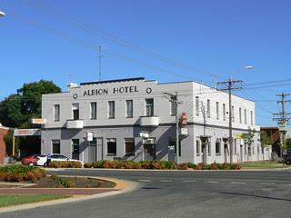 Albion Hotel, Finley