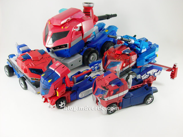 Transformers Wingblade Optimus Prime Animated Takara - modo alterno con otros Optimus Animated