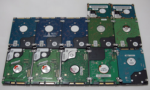 12 HDDs: Bottom side