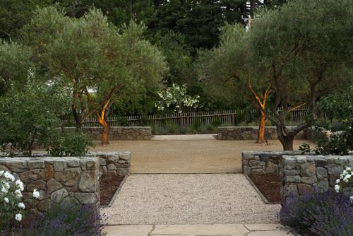 Amenajare gradina moderna alei pavaj pietris ziduri de sprijing amenjare curte mare peisagist firma proiectare gradina design gradina
