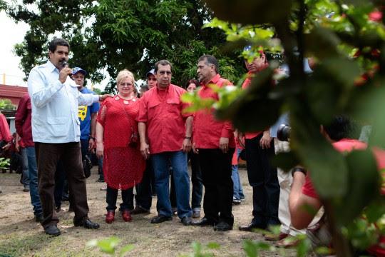 Maduro junto a familiares de Hugo Chávez