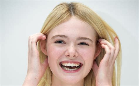 15  Elle Fanning wallpapers High Quality Resolution Download
