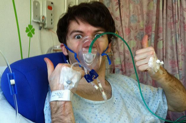 Jovem de 15 anos arrecada 20 milhões para hospitais antes de morrer de câncer