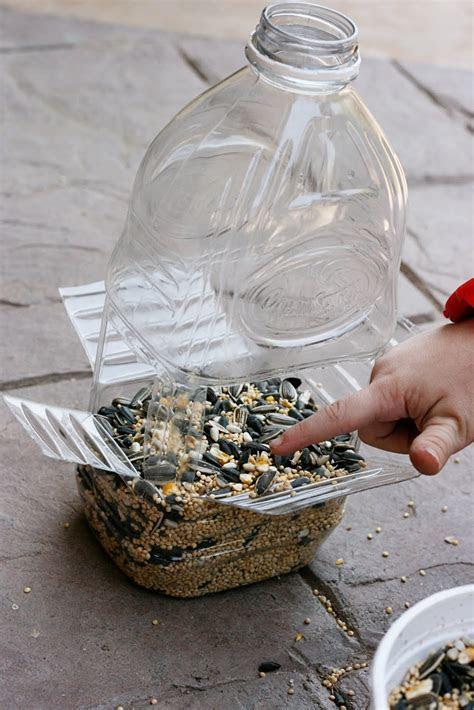 sparklinbecks diy bird feeder