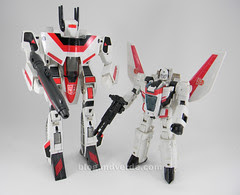 Transformers Jetfire G1 - modo robot vs Classic