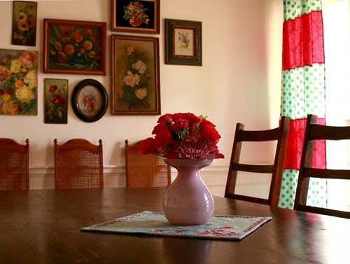 wall.and.table.bouquet