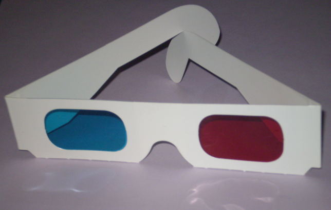 Archivo:Anaglyph glasses.png