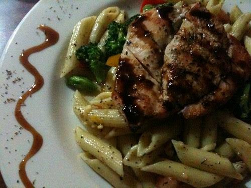 Chicken w/Penne Pasta & Garlic & Oil Sauce