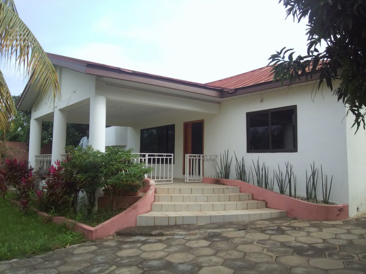 6 bedroom house for sale in Accra Houses For Sale