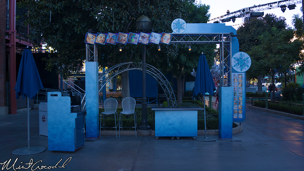 Disneyland Resort, Disney California Adventure, Hollywood Land, Frozen, Frozen Fun, Face. Paintin