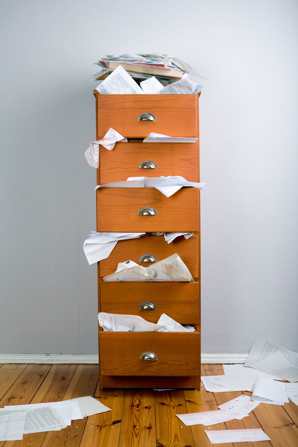 Declutter tips: How to declutter your home when you have ...