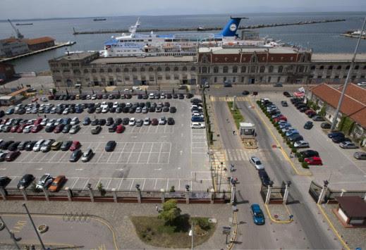 Θεσσαλονίκη: Θα αποκλείσουν το λιμάνι οι μεταφορείς