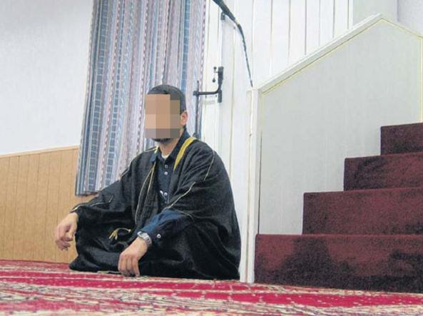 Il padre dei due ragazzi, l'imam I.S. (Foto  Basler Zeitung)