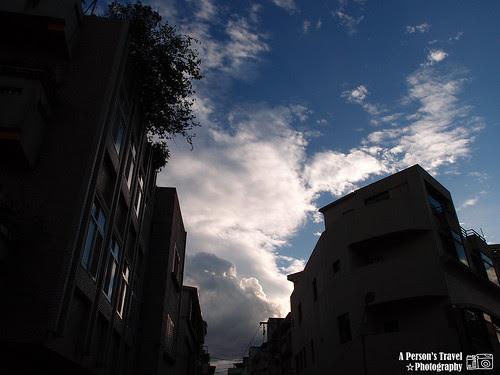 久違的藍天