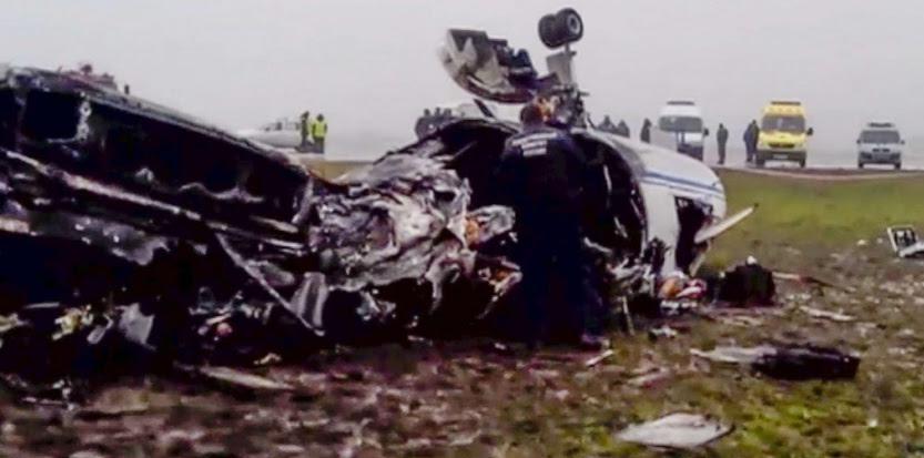 Le lieu de l'accident d'avion à Vnoukovo, l'un des trois aéroports internationaux de Moscou, mardi 21 octobre. (AP/SIPA)