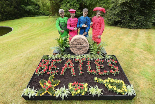 The-Beatles-Sgt-Pepper-Chiswick-House-