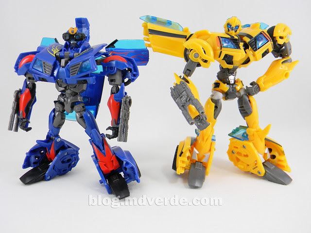Transformers Hot Shot Deluxe - Transfomrers Prime RID - modo robot vs Bumblebee First Edition
