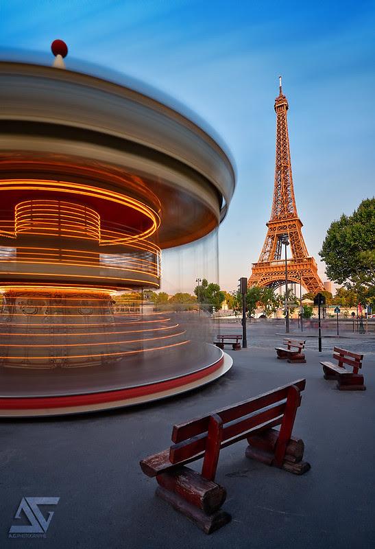 Half merry-go-round
