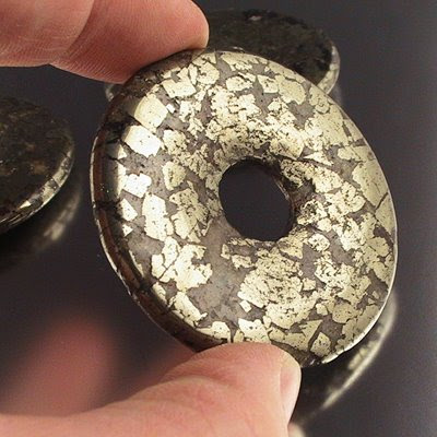 s16248 Stone Beads - 2 inch Donut - Pyrite (1)