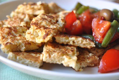 Green beans salad and oats frittata cubes