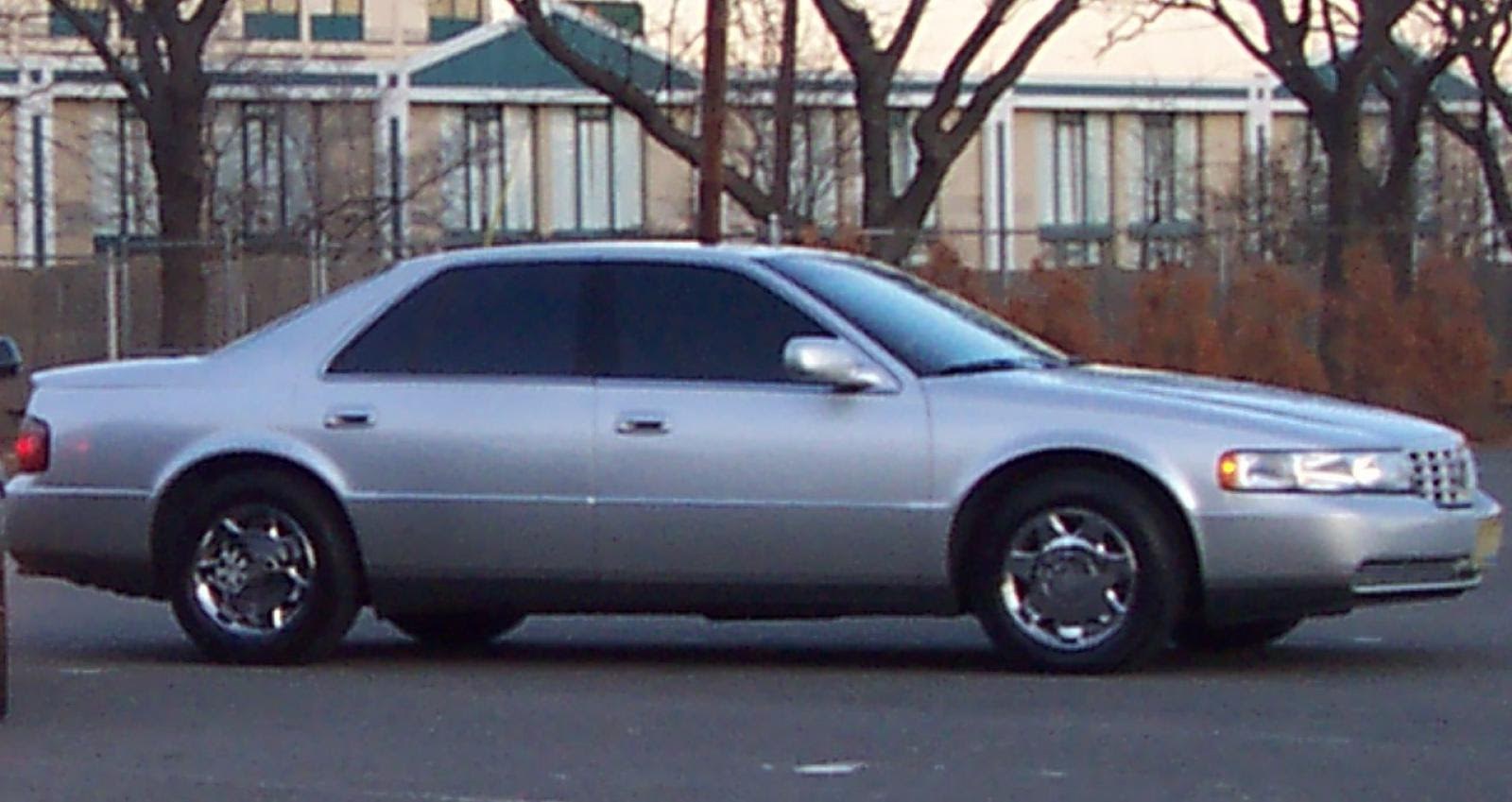 1999 Cadillac Seville - Information and photos - Zomb Drive