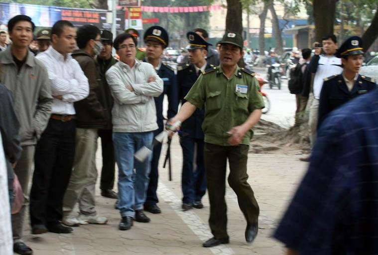 Cùng Báo Người Lao Động cứu trợ đồng bào miền Trung - Báo