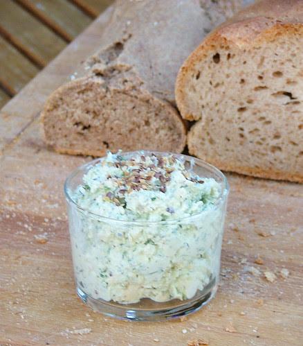 Tofu & ricotta cream with herbs4